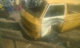 Two killed, 14 injured in Lagos auto crash