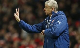 Wenger charged for confronting referee, faces FA ban