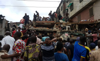 13 injured as building collapses in Lagos
