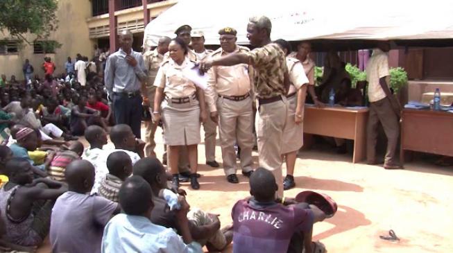 Nigeria deports 450 'illegal immigrants'