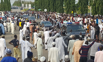 PHOTOS: Abuja residents troop to the streets for Buhari