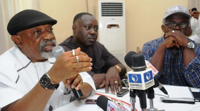 FG in last-minute talks with labour to avert strike