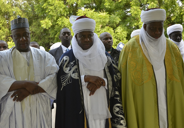 Speaker of Sokoto State House of Assembly, Hon Salihu Maidaji, Governor Aminu Waziri Tambuwal and Sultan Muhammad Sa'ad Abubakar offering prayers at the Sokoto Central Eid ground to commemorate the 2017 Eid-el-Kabir sallah celebration in Sokoto
