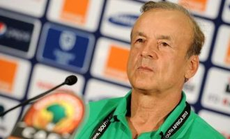 Rohr to continue as Eagles coach till 2022