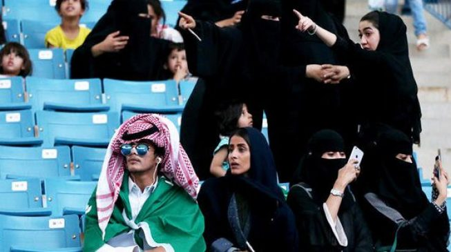 Saudi women to be allowed into stadiums from 2018