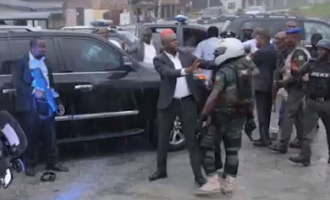 VIDEO: Wike, Amaechi's security aides face-off in Rivers