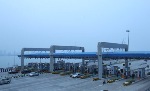 Fashola: We've concluded plans to reintroduce toll gates nationwide