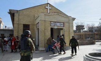 Eight killed in suicide bombing at Pakistan church