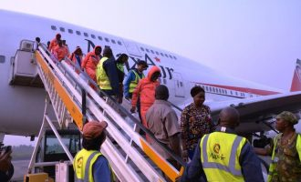 FG evacuates 481 Nigerians from Libya