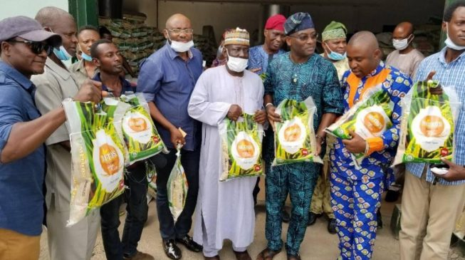 Some people demarketing our state for selfish reasons, says Amosun on rumour of fake rice