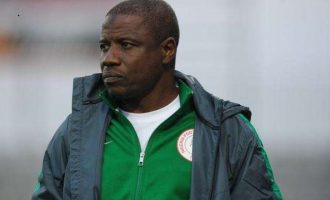TRENDING VIDEO: Salisu Yusuf, Super Eagles coach, caught on camera taking 'bribe'