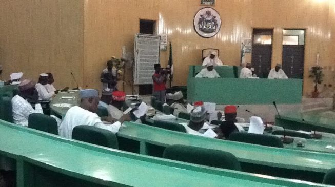 Kano assembly removes principal officers — despite police siege