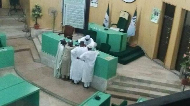 Kano assembly removes speaker