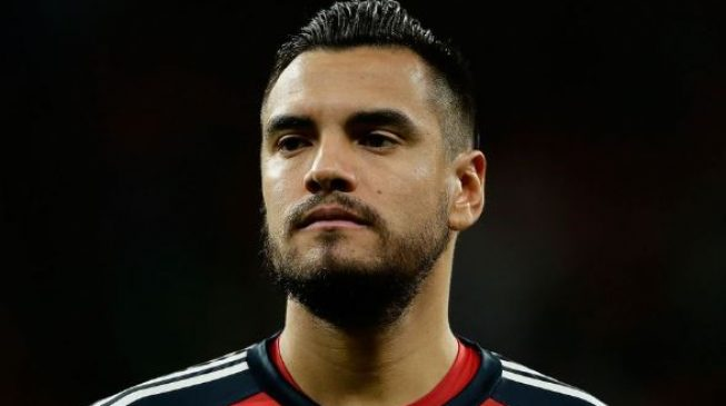 Argentina goalkeeper Romero out of World Cup after suffering knee injury
