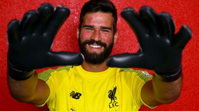 Liverpool break transfer record to sign Roma 'keeper Alisson Becker