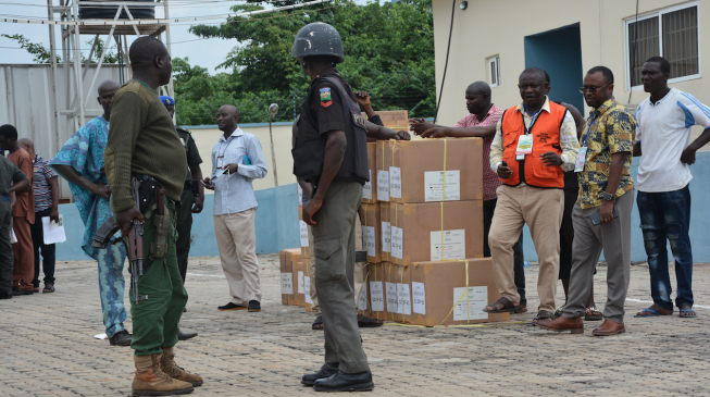 PHOTOS: INEC moves election materials from CBN to Ekiti LGAs