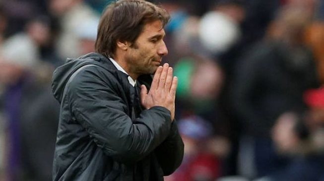 Conte sacked by Chelsea with compatriot Sarri set to take over