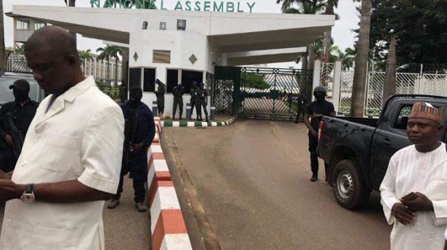 DSS operatives block entrance of national assembly