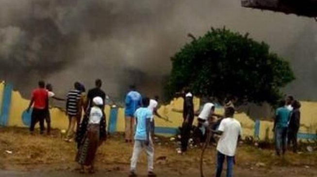 Youth set Osun police station ablaze over 'killing of undergraduate by SARS'