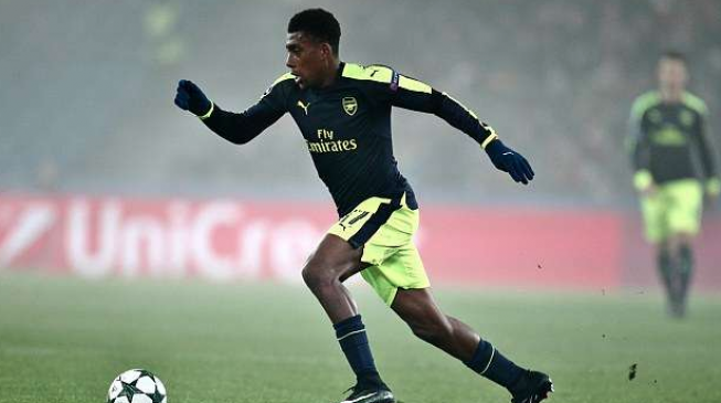 Iwobi commits future to Arsenal, signs long-term deal