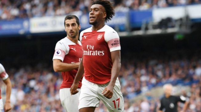 Iwobi scores in narrow Arsenal defeat at Chelsea