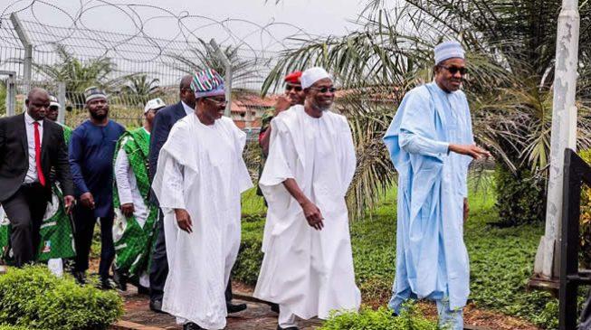 Buhari, 13 APC governors storm Osun for Oyetola