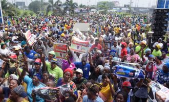 PHOTOS: Ambode's supporters hit the street on eve of APC primary
