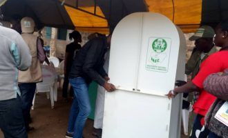 Politicians shun INEC's directive in Osun, engage in vote-buying