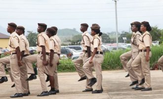 Immigration promotes 1392 personnel