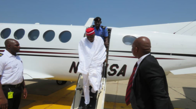 PHOTOS: Kwankwaso 'quietly' visits Kano, hosts supporters
