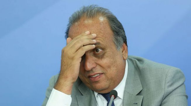 Brazilian governor arrested for 'collecting bribe'