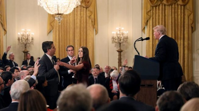 Judge orders White House to restore CNN reporter's press pass