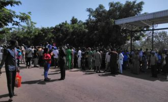 Workers begin strike, cut off water and power supplies to n'assembly