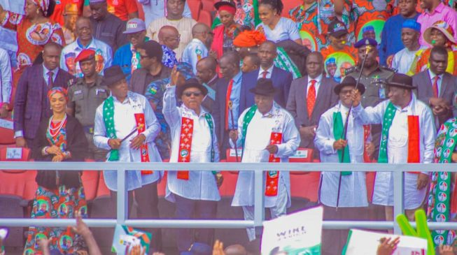 PHOTOS: Jonathan watches as Davido entertains crowd at Atiku's Rivers rally