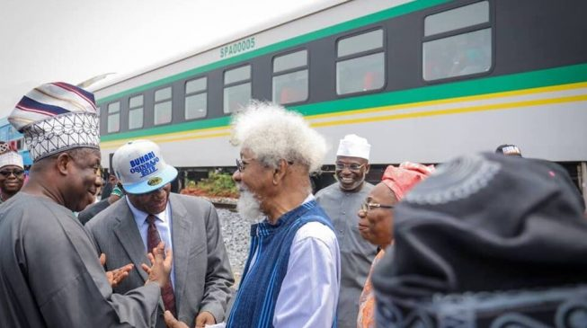 After endorsing Moghalu, Soyinka joins Amaechi at test of Lagos-Ibadan railway