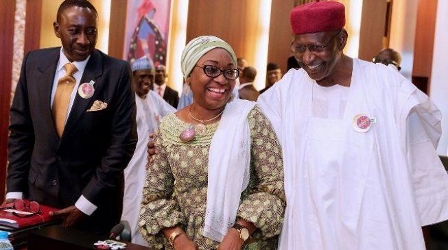 Laughter as Buhari asks Amaechi, Shittu to pray at FEC