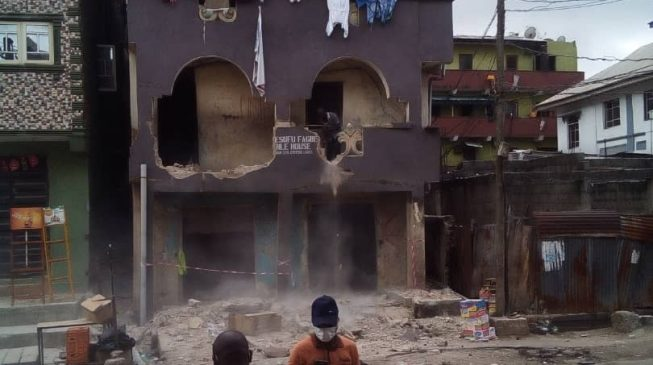 Lagos begins demolition of marked buildings