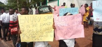 Police fire tear gas at INEC ad-hoc staff protesting non-payment of allowance