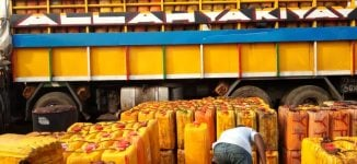 Nigeria 'losing millions of dollars' to palm oil smuggling
