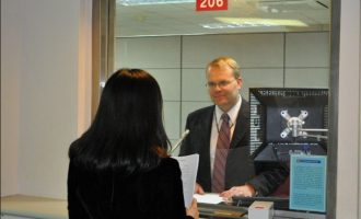 EXTRA: Wearing suit to interview doesn't guarantee a visa, says US consular official
