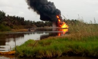 Ondo oil well still burning — 18 days after explosion
