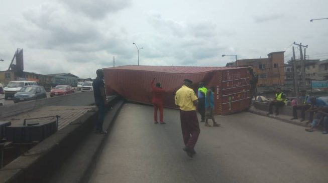 Another container falls on Ojuelegba bridge