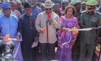 Emmanuel inaugurates 84 units housing in Ibagwa barracks, roads in AKSU