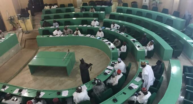 Kano assembly suspends 5 members for 'attempting to snatch the mace'