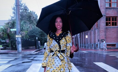 Dear ladies, here's how to look good on a rainy day