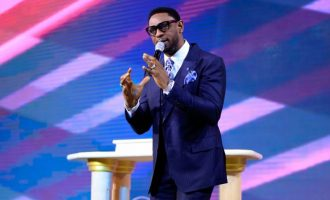 Nigerians on Twitter ask Fatoyinbo to step down