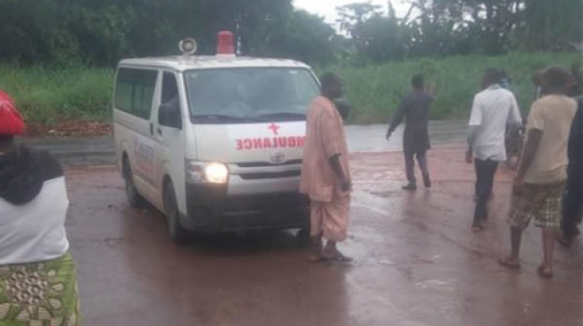 'Doctors kidnapped', policemen shot as gunmen hijack ambulance in Ondo