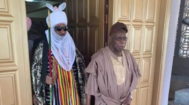 FACT CHECK: Did Obasanjo visit Sanusi as this picture 'suggests'?