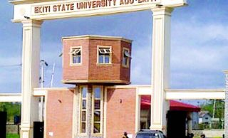 EXTRA: Medical students of Ekiti varsity graduate after 10 years