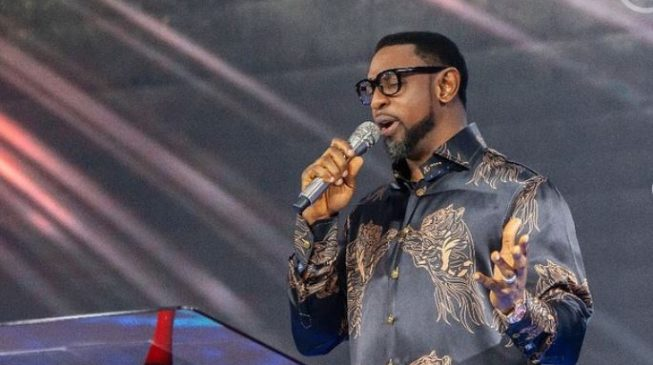 Issue arrest warrant to Fatoyinbo, lawyers tell police